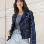 veste style biker vegan portée par une femme